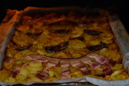 bacon, baking, culinary, kitchen, meat, oven, roasting, sauce, food, dinner