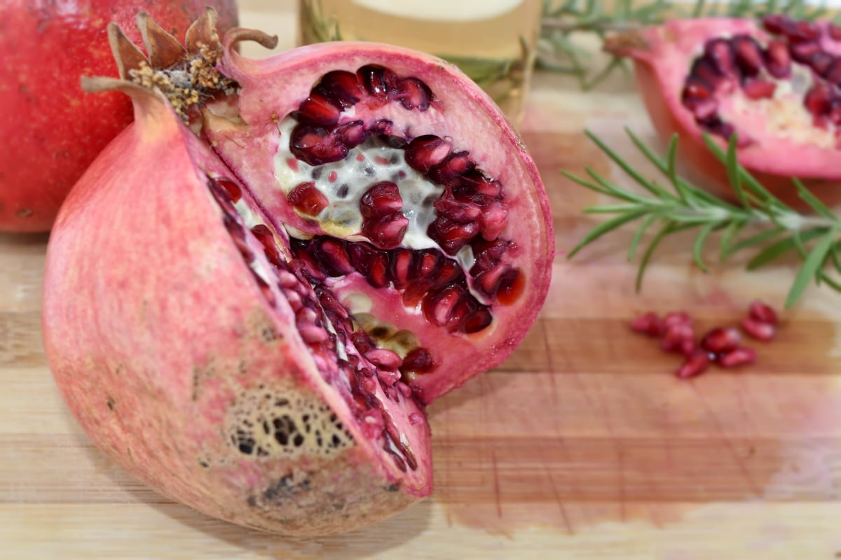 breakfast, kitchen table, pomegranate, food, fruit, produce, nature, delicious, nutrition, exotic