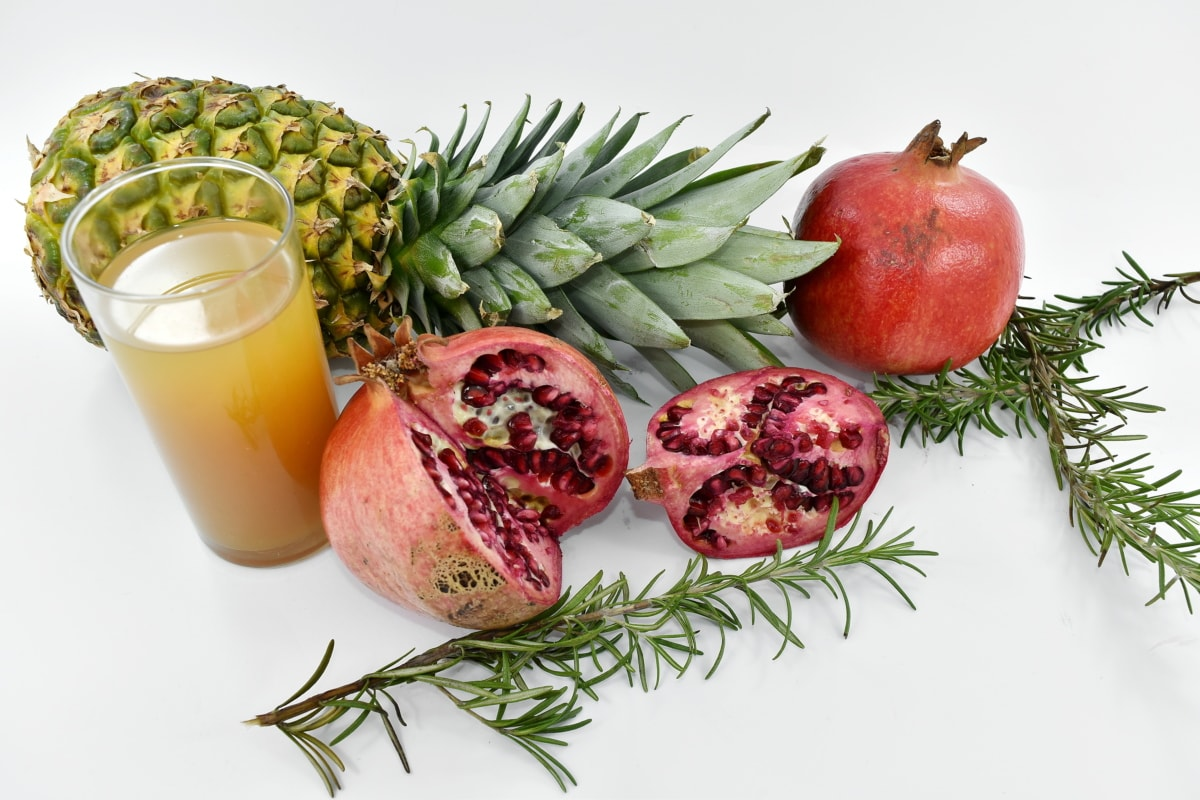 fruit juice, pomegranate, fruit, food, diet, health, ingredients, juice, nutrition, delicious