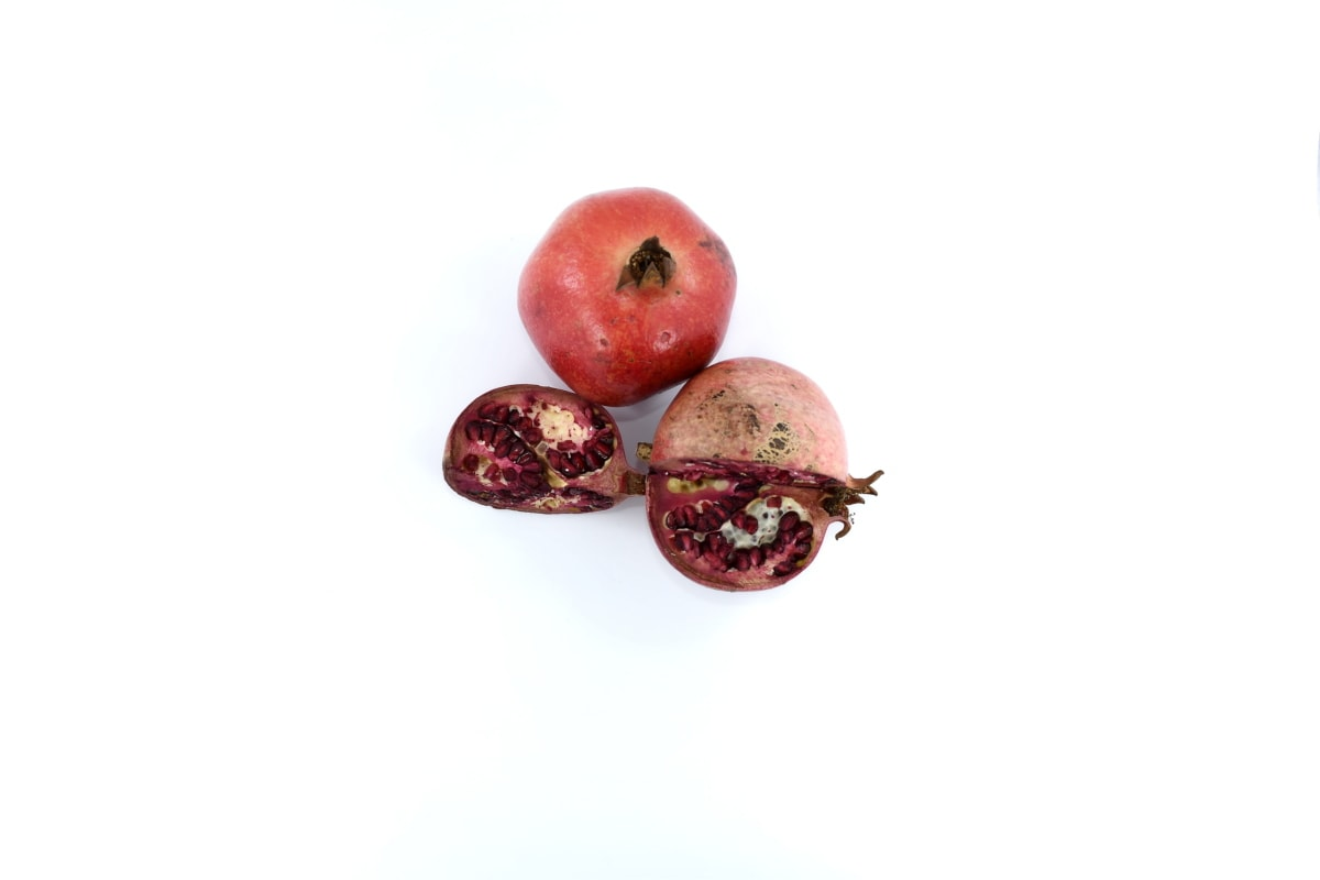 antioxidant, antitoxin, carbohydrate, delicious, fruit, meal, pomegranate, slice, whole, healthy