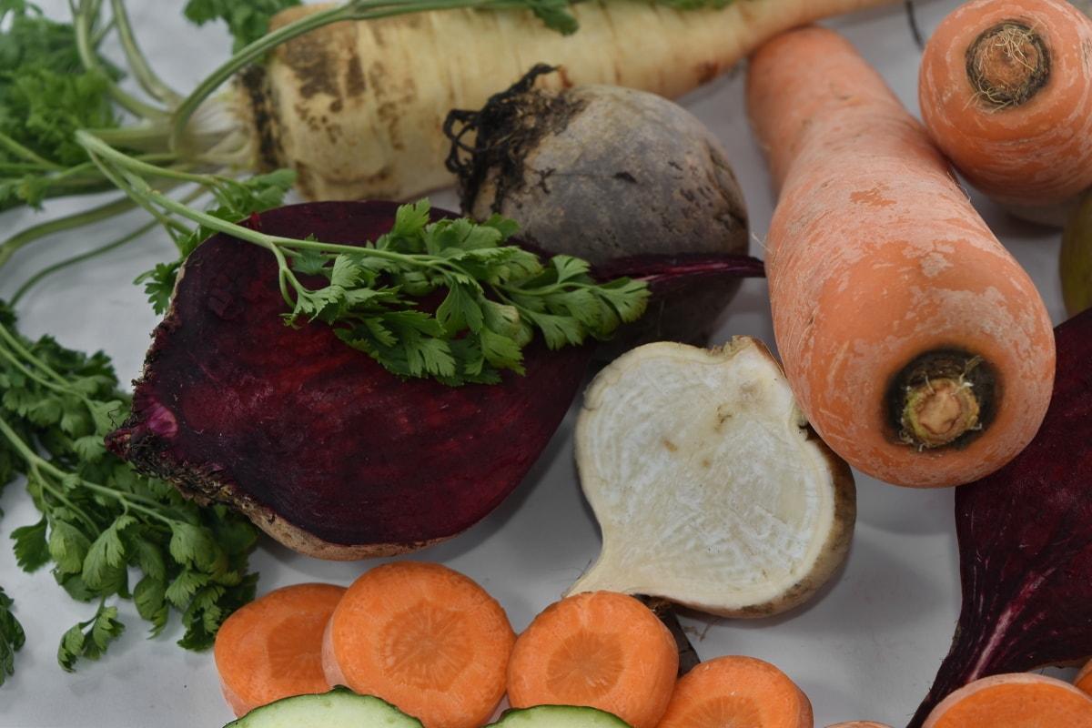 beetroot, carrot, parsley, radish, food, vegetable, salad, lunch, root, vegetables