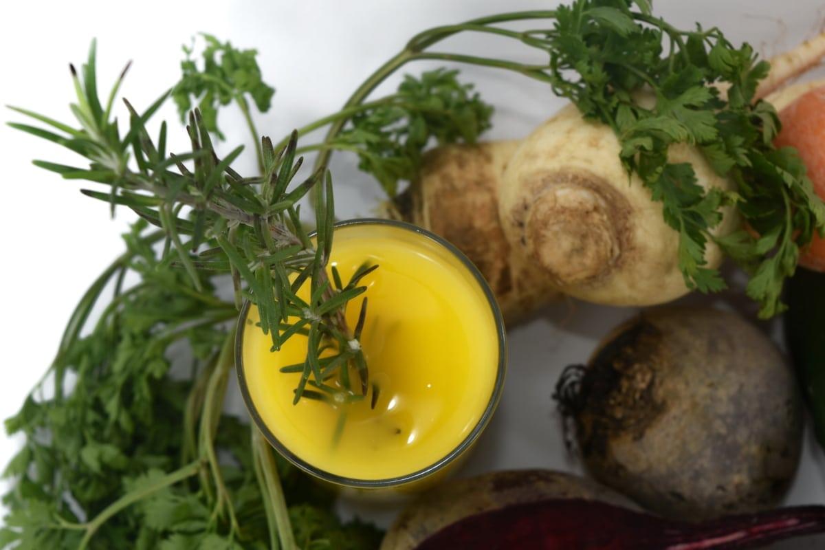 antioxidant, green leaves, juice, kohlrabi, roots, spice, vegetables, food, parsley, dinner