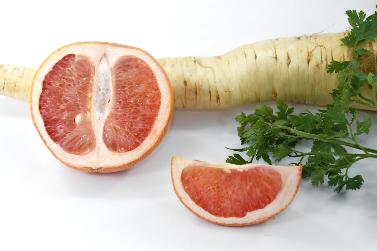 bitter, carbohydrate, citrus, cross section, grapefruit, half, parsley, vitamins, salad, food