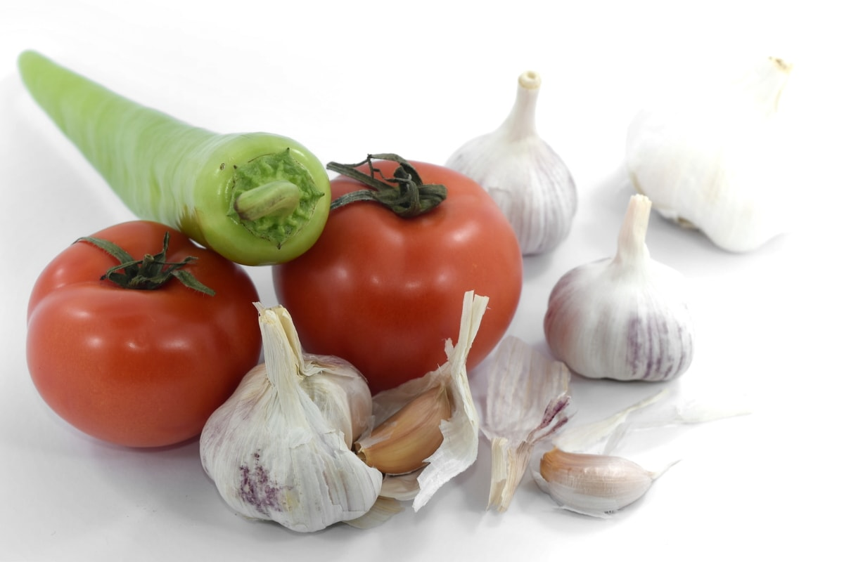 garlic, ingredients, pepperoni, tomatoes, organic, fresh, vegetable, vegetarian, spice, food
