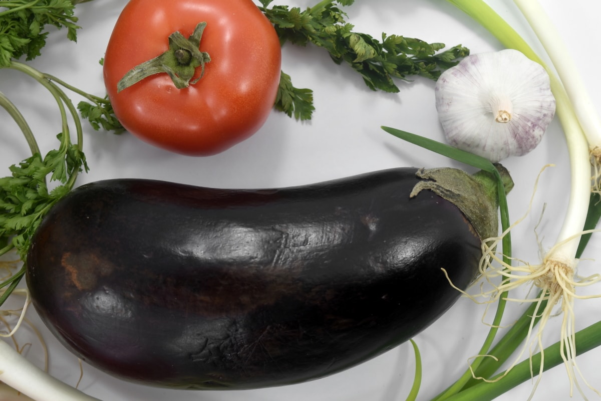 chives, eat, eggplant, fresh, garlic, leek, onion, tomato, pepper, vegetarian