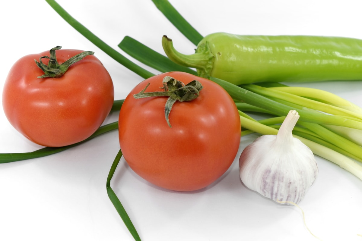 chives, fresh, garlic, pepperoni, tomatoes, wild onion, tomato, vegetable, health, onion