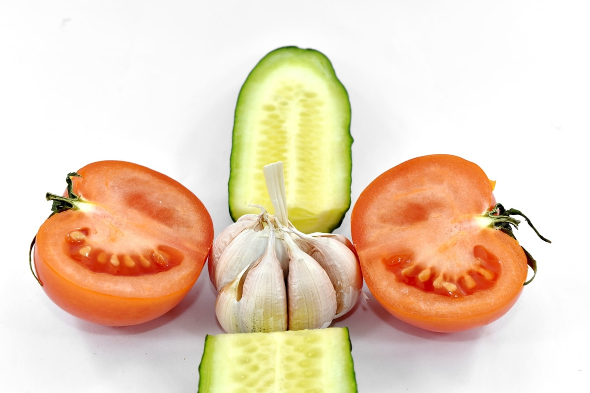 aroma, cross section, cucumber, garlic, half, slices, spice, tomato, vegetable, fresh