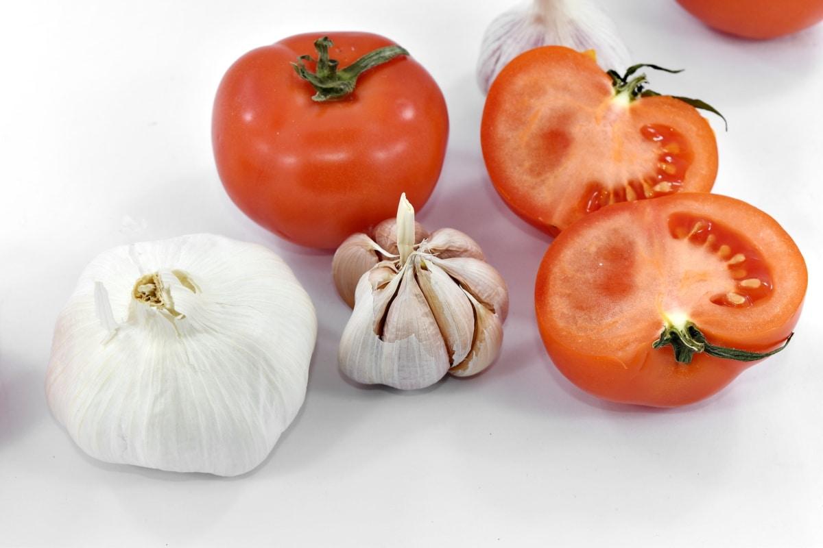antibacterial, antioxidant, garlic, half, organic, seed, tomatoes, vegetables, wet, healthy