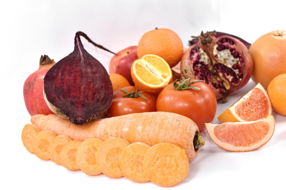 apple, beetroot, carrot, oranges, pomegranate, red, tomatoes, vitamin C, citrus, fruit