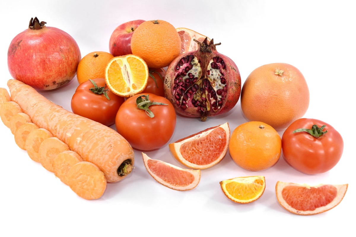 apple, grapefruit, pomegranate, red, ripe fruit, tomatoes, vegetable, vitamin C, vitamins, healthy