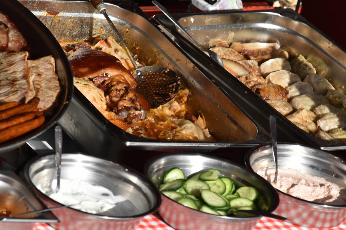 Fleisch, Schweinelendchen, Wurst, Mahlzeit, Brot, Essen, Abendessen, Kochen, Gemüse, Gericht