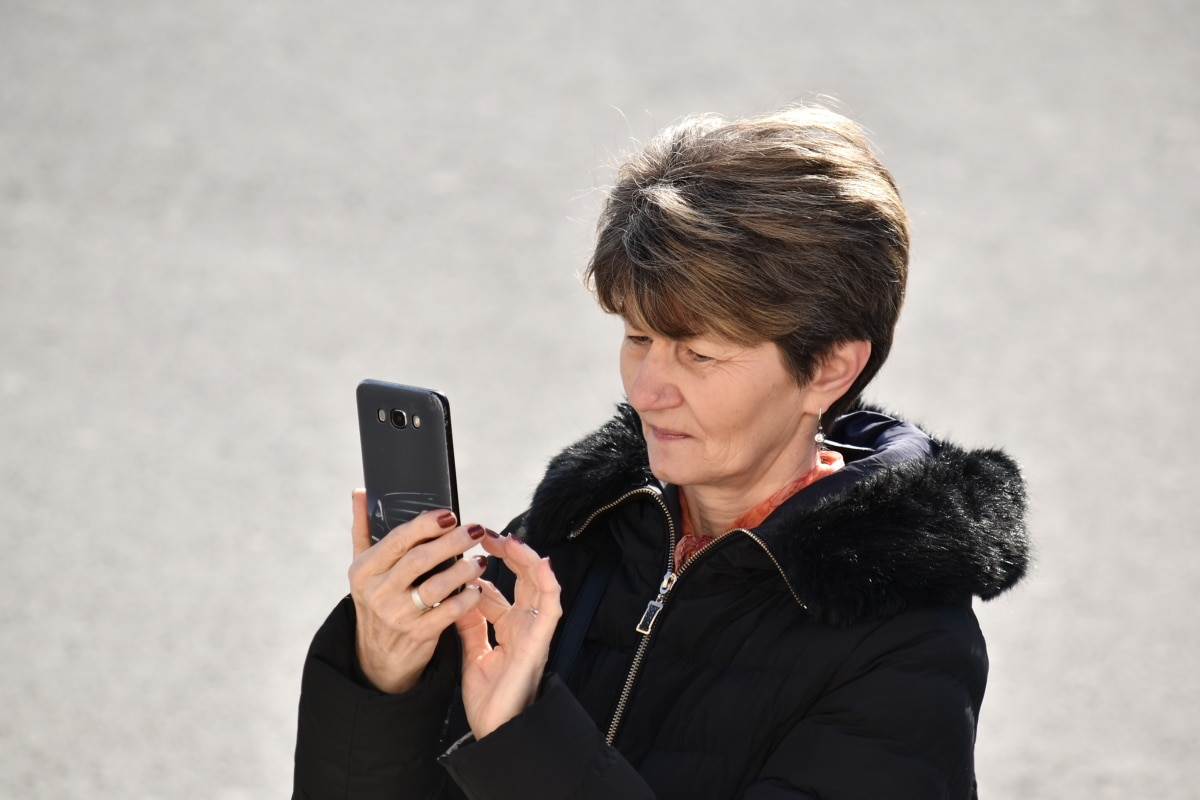 conversation, face, hands, internet, mobile phone, telecommunication, telephone, wireless phone, woman, business