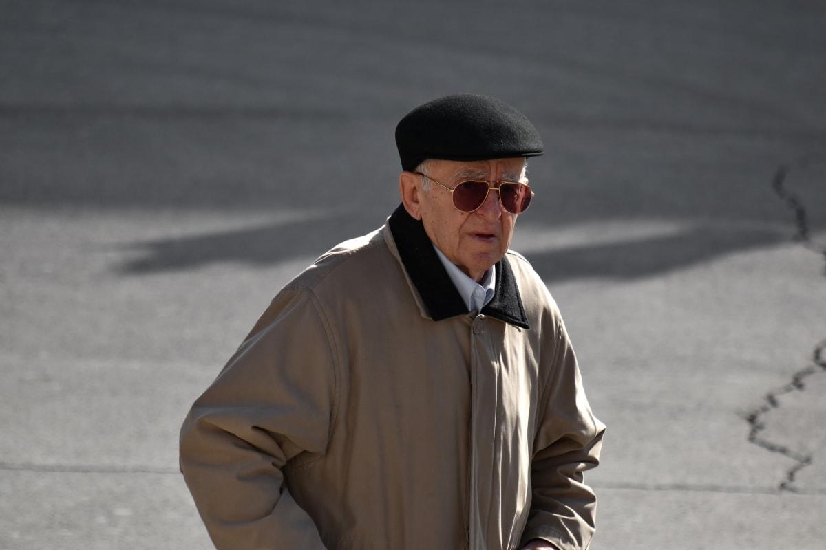 biznesmen, zaufanie, Dziadek, Kurtka, poważne, Okulary przeciwsłoneczne, osoba, mężczyzna, ludzie, ulica