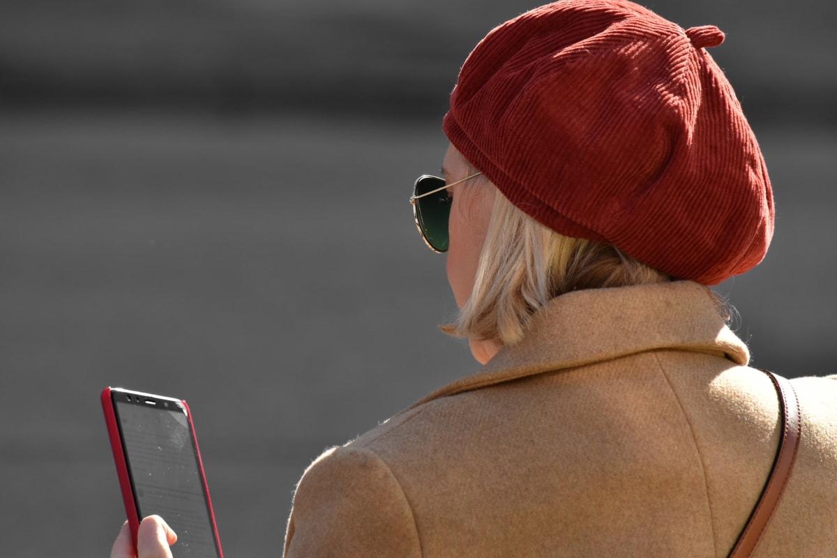 femme d'affaires, message, Jolie fille, social, lunettes de soleil, Téléphone sans fil, Portrait, gens, jeune fille, rue