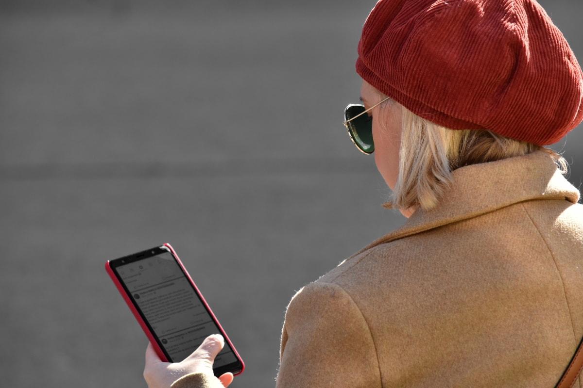 通信, インターネット, メッセージ, 携帯電話, かわいい女の子, サングラス, 通信, 電話, 縦方向, 女の子