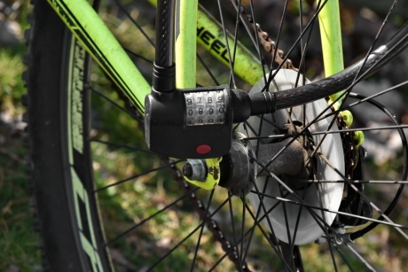 chain, lock, mountain bike, number, security, wheel, outdoors, vehicle, nature, brake