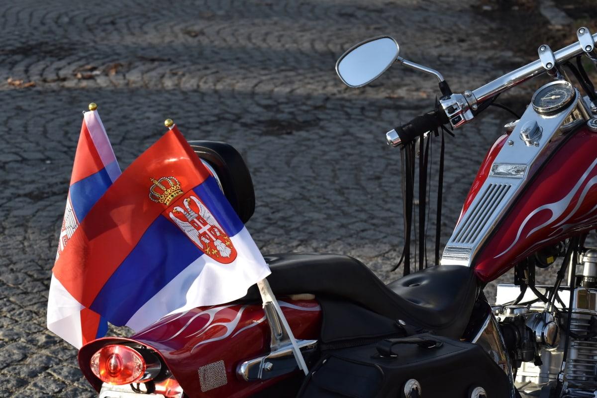 флаг, зеркало, мотоцикл, Сербия, спидометр, рулевое колесо, транспортное средство, улица, дорога, мотоцикл