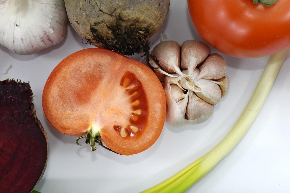beetroot, garlic, half, slice, tomatoes, vitamin C, food, vegetable, produce, ingredients