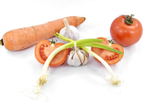 antioxidant, carrot, chives, tomatoes, vegetables, vitamin C, wild onion, tomato, vegetable, healthy