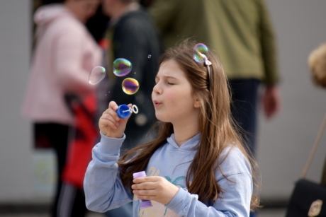 bubble, child, playful, pretty girl, girl, people, fun, pretty, young, beautiful