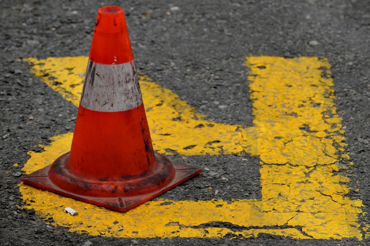 асфалт, обект, паркинг, паркинг, пластмаса, резервация, път, знак, трафик, трафик контрол