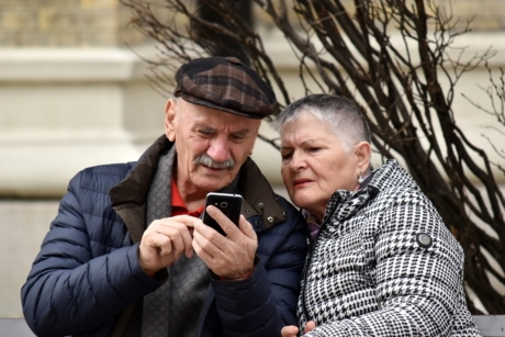 elderly, family, internet, man, mobile phone, telecommunication, togetherness, woman, couple, happy