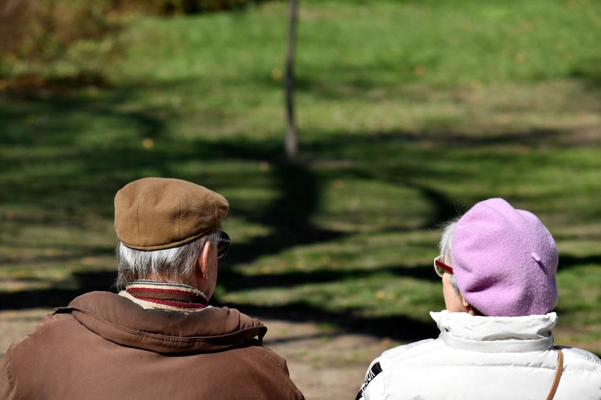 pari, nautinto, Isoisä, isoäiti, aviomies, rentoutumista, yhteishenki, vaimo, hattu, luonto