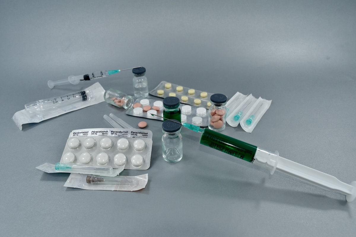 coronavirus, COVID-19, cure, medical care, SARS-CoV-2, vaccination, vaccine, instrument, science, healthcare