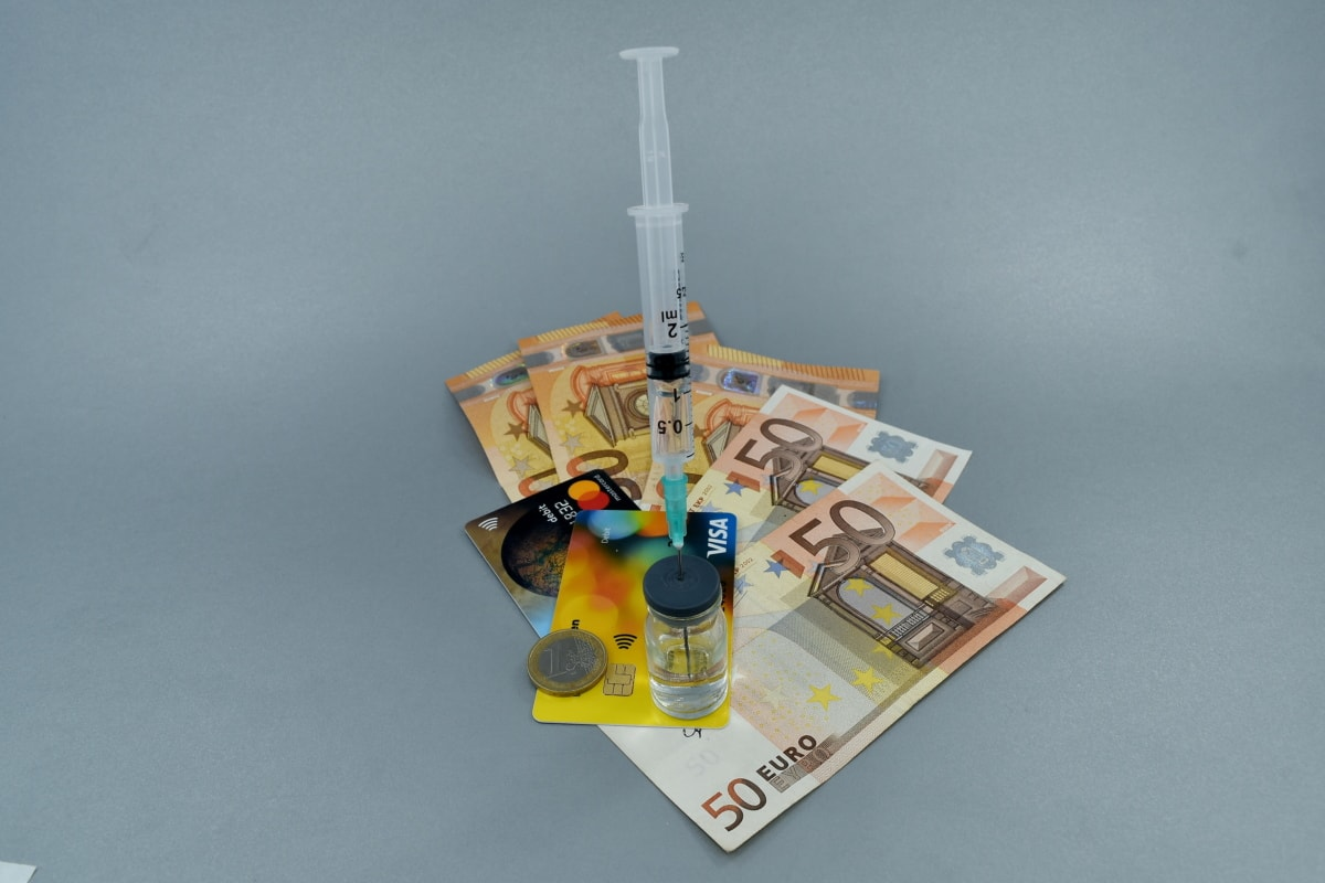 hotovosť, financie, lieky, peniaze, Farmakológia, lekáreň, testovanie, očkovanie, podnikanie, liek