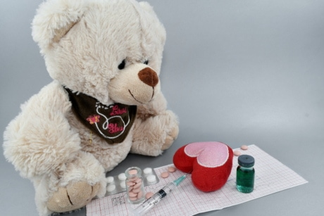aspirin, cardiology, coronary disease, coronavirus, drugs, heart attack, heartbeat, vaccination, toy, teddy bear toy
