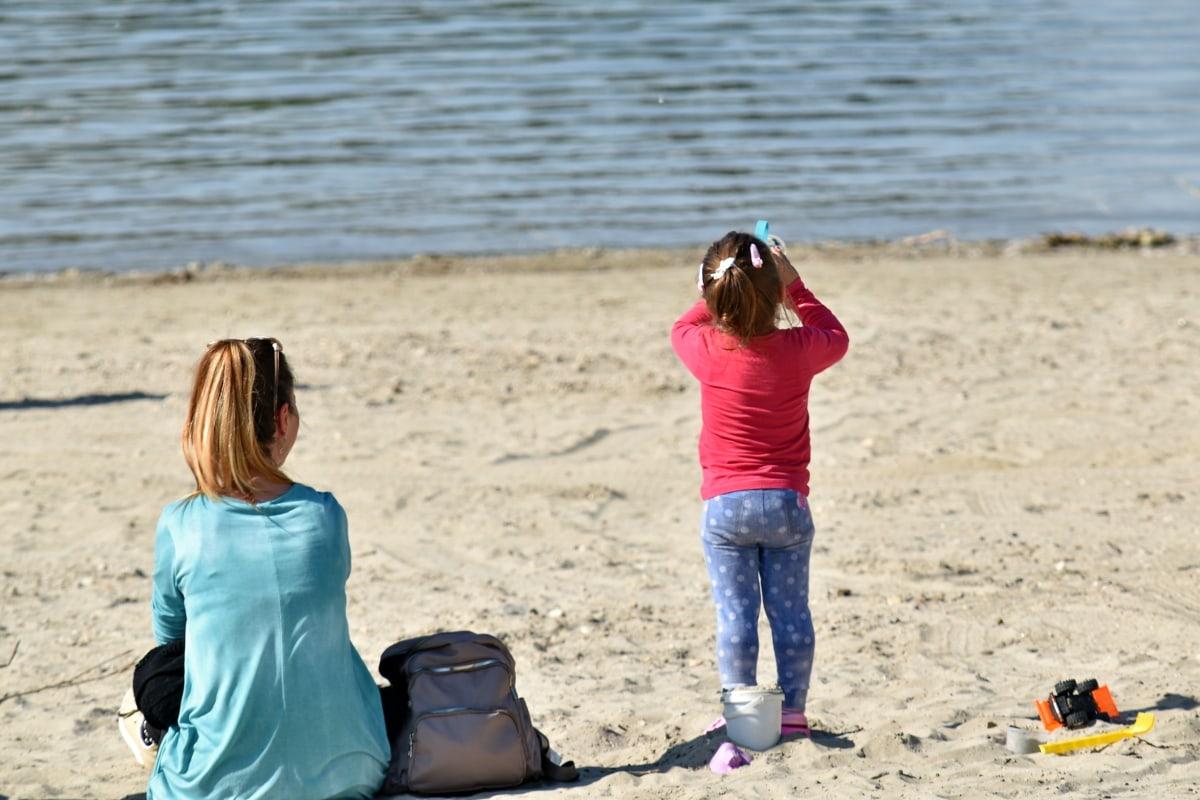 Plaża, Córka, matka, macierzyństwo, piasek, czas letni, razem, Dziewczyna, dziecko, zabawa