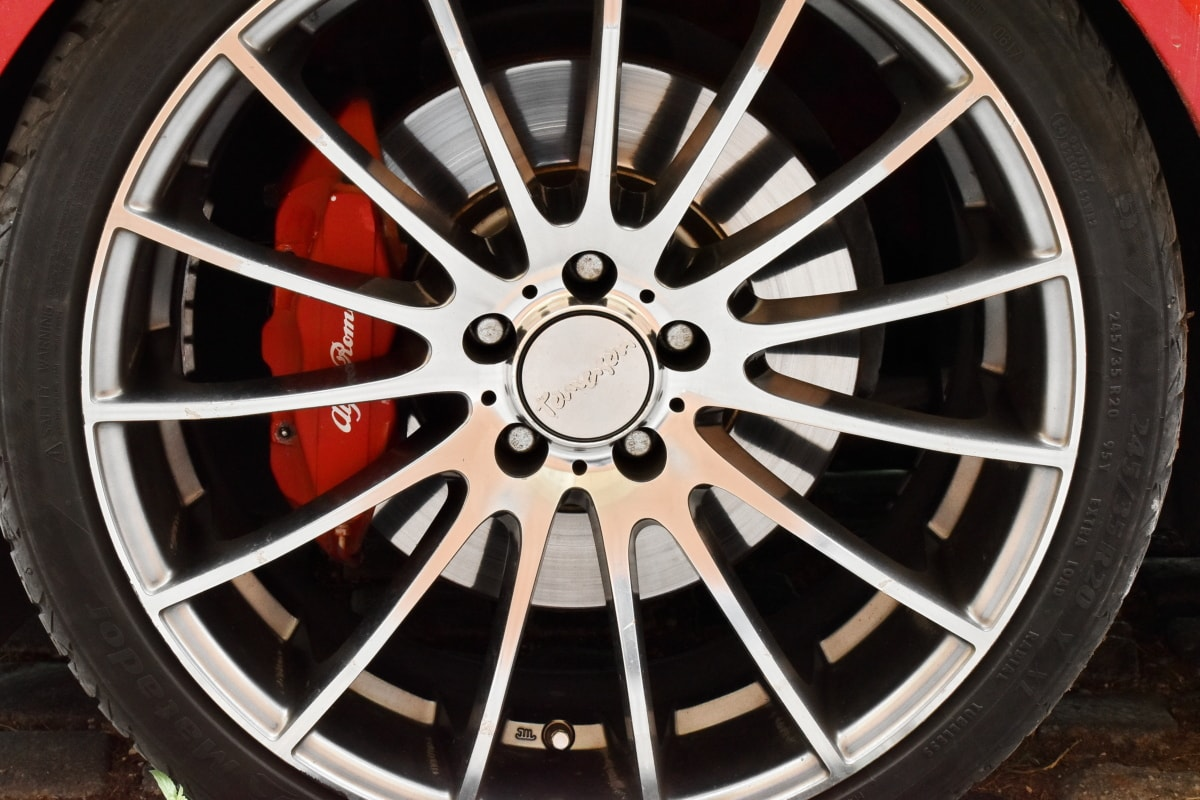 alloy, aluminum, automobile, brake, expensive, garage, wheel, machine, tire, rim