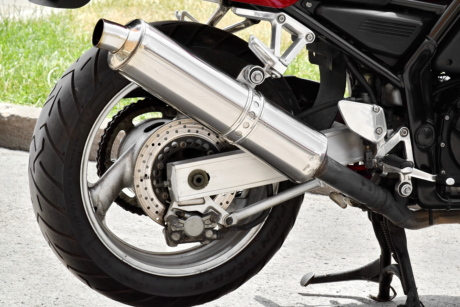 chain, engine, exhaust, metal gear, metallic, motorcycle, tire, device, vehicle, wheel