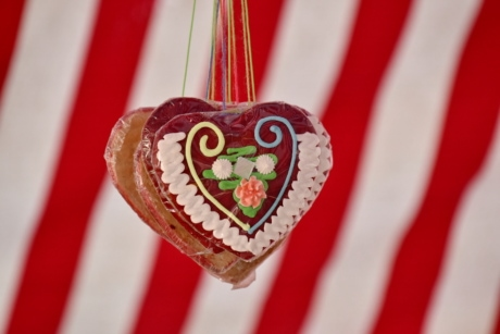 handmade, hanging, hearts, homemade, romantic, love, candy, sugar, traditional, food