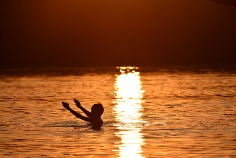 boy, dusk, enjoyment, night, shadow, silhouette, summer season, sunset, swimming, sun