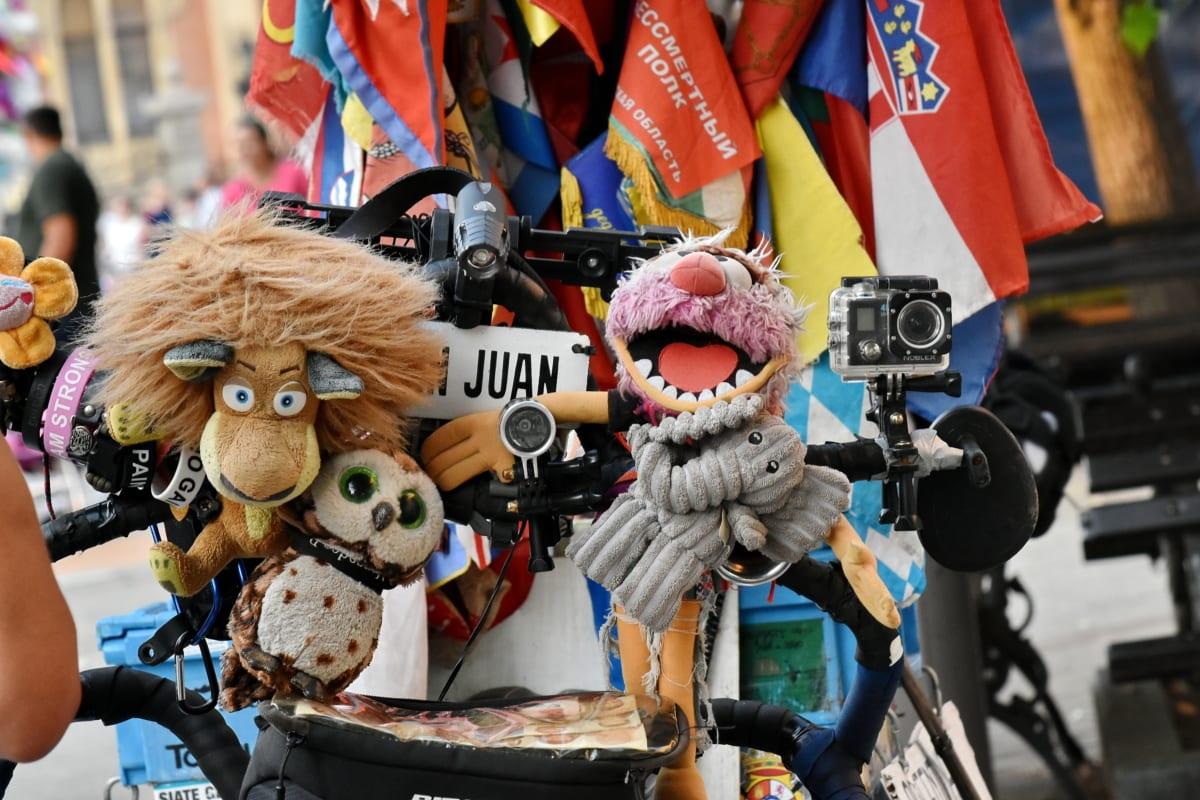vélo, appareil photo, coloré, farci, jouets, voyage, couvrant, masque, Festival, rue