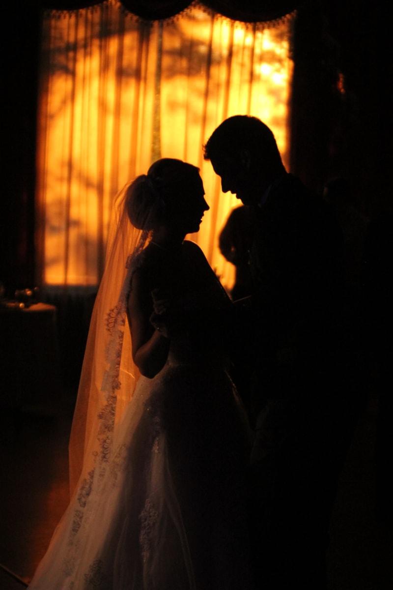 mireasa, rochie, mirele, interior, fată drăguţă, silueta, apus de soare, voal, dragoste, lumina