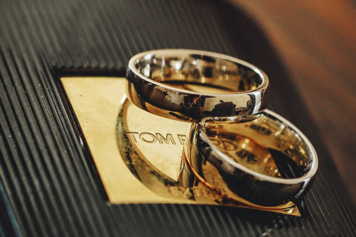 close-up, details, gold, golden glow, luxury, reflection, rings, wedding ring, jewelry, indoors