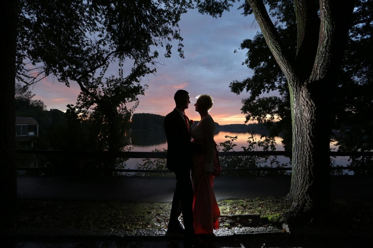 bride, Danube, dusk, lakeside, romantic, silhouette, wedding, groom, tree, people