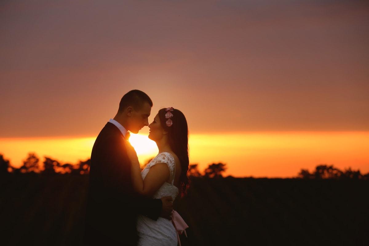 感情, 穿衣服, 拥抱, 吻, 爱, 漂亮女孩, 浪漫, 团结, 黎明, 太阳