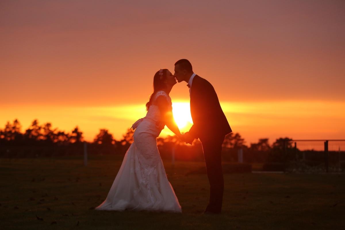 bruid, mode, kus, liefde, poseren, mooi meisje, zonsondergang, Zonnevlek, bruiloft, schemering