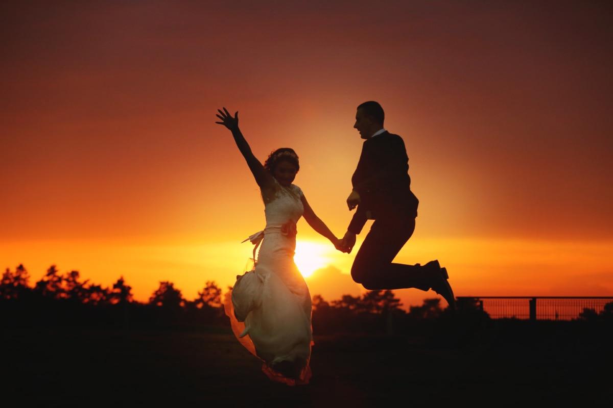 新娘, 开朗, 新郎, 幸福, 跳, 跳, 人, 日落, 剪影, 太阳