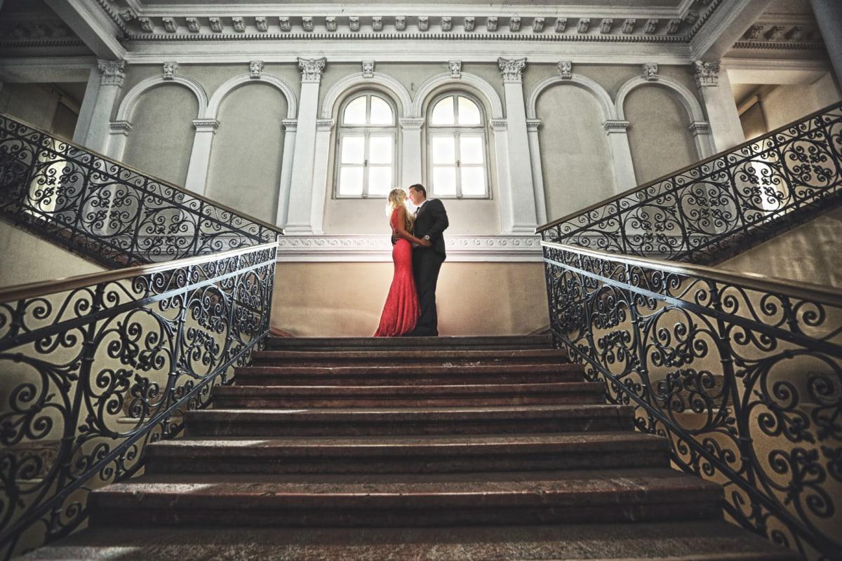 liatina, pôvab, pekný, Objatie, interiérový dizajn, bozk, pobozkať, krásne dievča, schodisko, schodisko, zariadenie