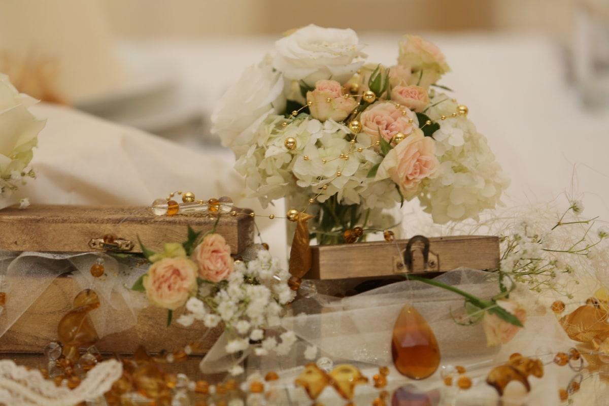 ช่อดอกไม้, กล่อง, ตกแต่ง, จัดเรียง, งานแต่งงาน, ในที่ร่ม, แบบดั้งเดิม, ความรัก, ชีวิตยังคง, หรูหรา