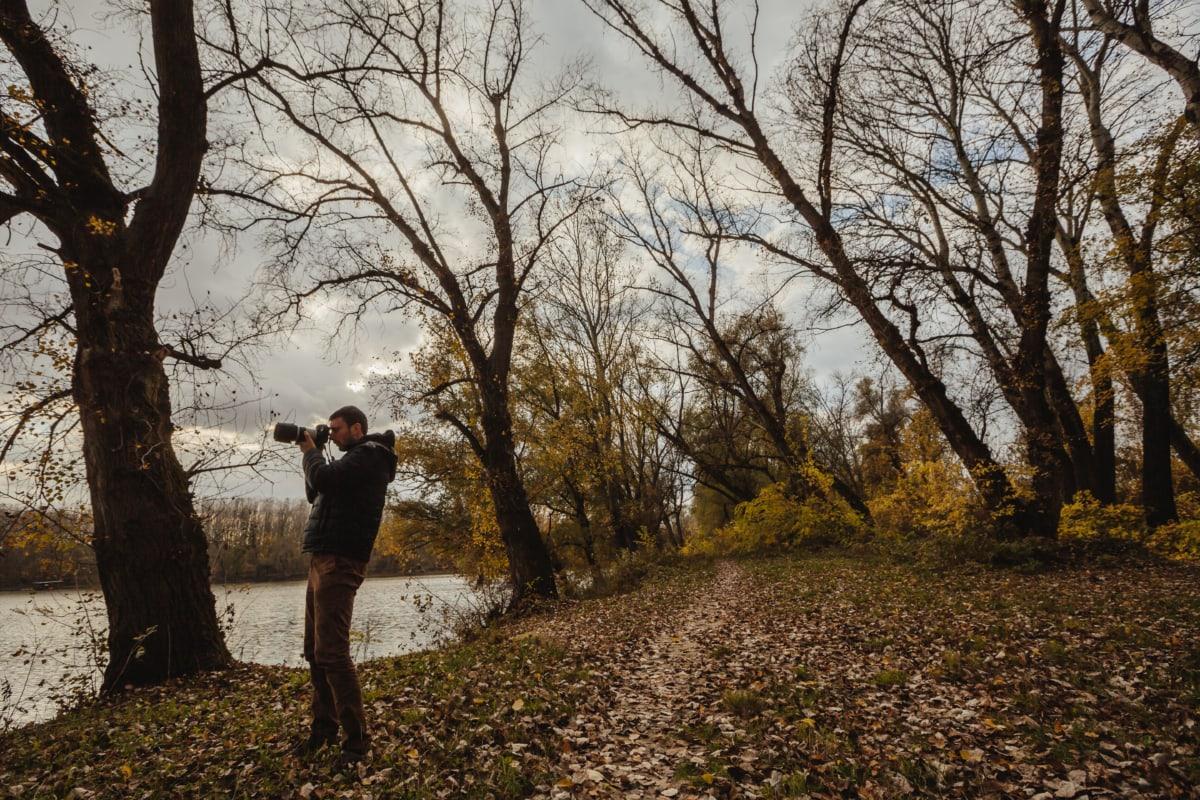 herfst seizoen, bospad, foto-model, fotograaf, fotografie, fotojournalist, oever van de rivier, boom, landschap, bomen