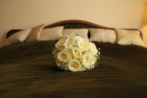 bed, bedroom, blanket, cushion, furniture, wall, roses, flower, bouquet, rose