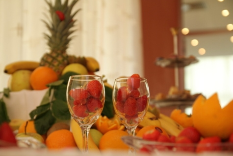 fruit, strawberries, tropical, glass, party, celebration, glasses, food, restaurant, garnish