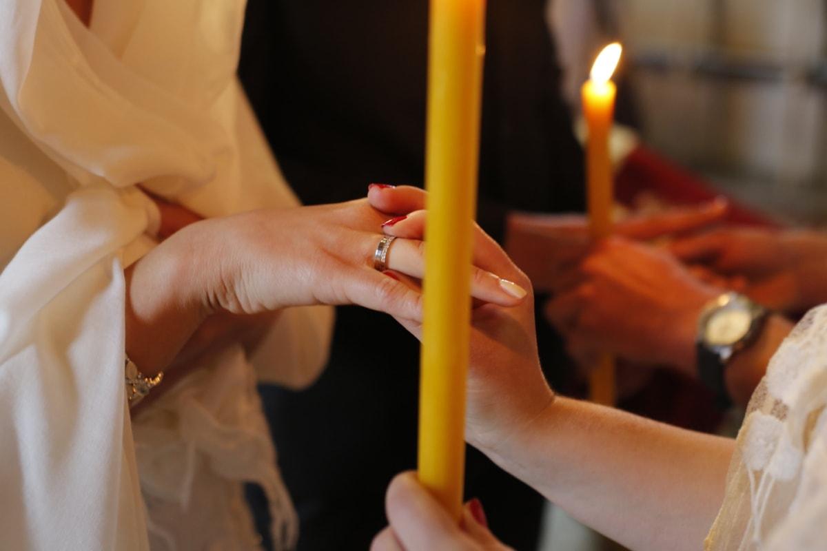 ろうそくの光で, キャンドル, 式, 指, 手, 愛, 結婚, 結婚式, 結婚指輪, 手