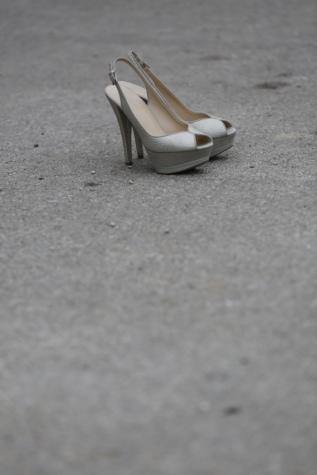 แฟชั่น, รองเท้า, ความเย้ายวนใจ, หนัง, รองเท้าแตะ, รองเท้า, รองเท้า, มุมมองด้านข้าง, ลักษณะ, สีขาว