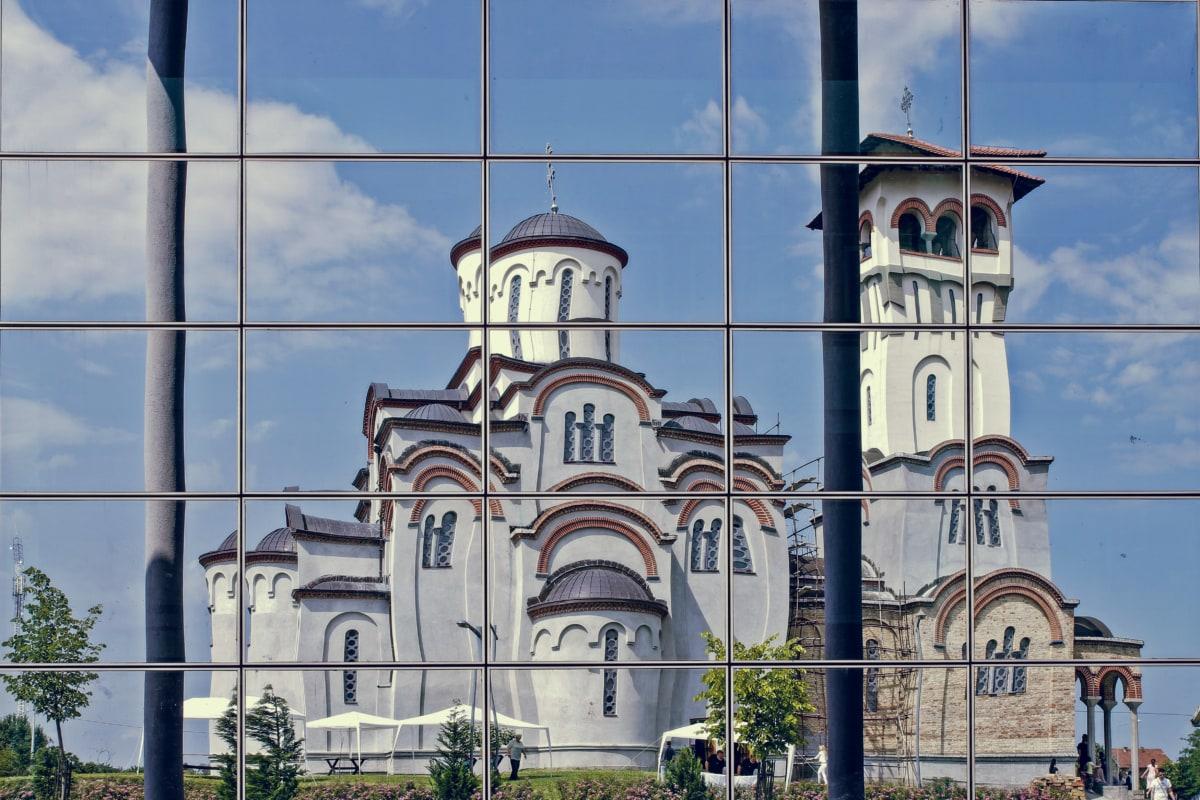 katedrála, veža kostola, fasáda, reflexie, okno, Architektúra, budova, staré, veža, mesto